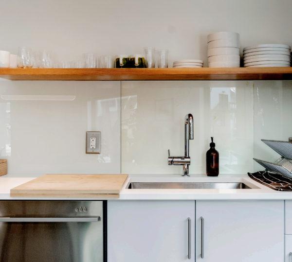 plaque en verre cuisine