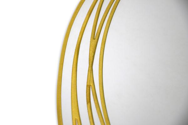 Miroir forme en verre sablé et doré, détail, Prestige